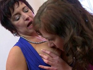 Lesbian tit in pussy, beautiful iran girl fucking